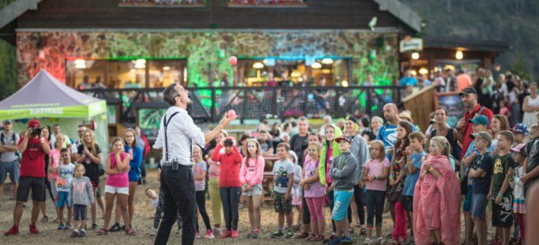 Naplánujte si výlet na Dolní Moravu, v létě ožije adrenalinem a akrobacií