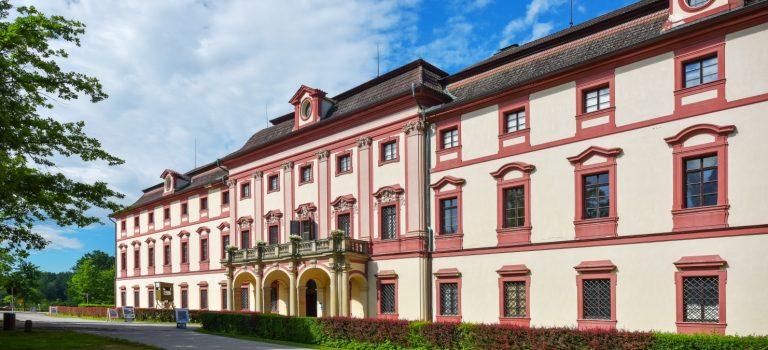 Lovecký zámek Ohrada nabídne novou výstavu, stále je k vidění několik set paroží