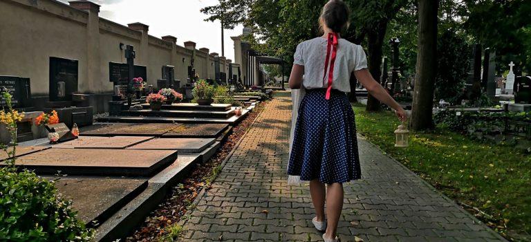 Odhalte tajemství hřbitova ve Frýdku-Místku! V sobotu se dozvíte o osudech místních osobností i řadu perliček