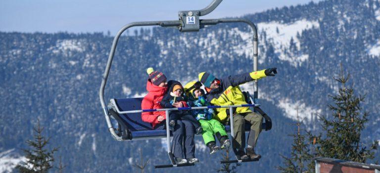 Na hory v zimě jezdí dvě pětiny Čechů, každý šestý se vydá do zahraničí