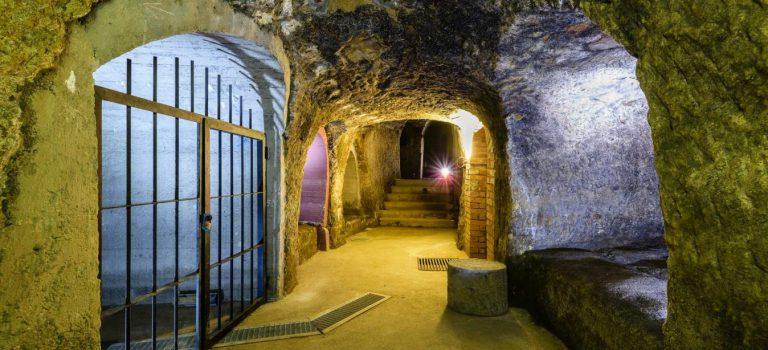 Výstava Plzeň pod zemí v Pivovarském muzeu oslavuje 35 let pozoruhodné prohlídkové trasy