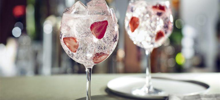 OSLAVTE MEZINÁRODNÍ DEN ŽEN SVĚŽÍMI JARNÍMI DRINKY
