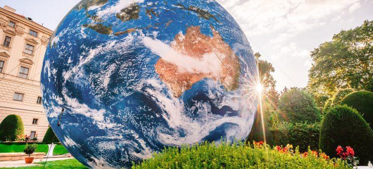Země má svůj den. Oslavte ho online spolární vědkyní Marií Šabackou