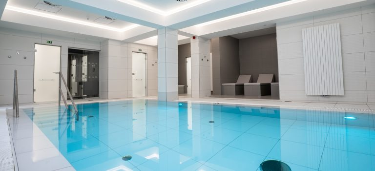 Nový bazén a wellness vKarlových Varech si mohou nově užít nejen pacienti na post-covidových pobytech